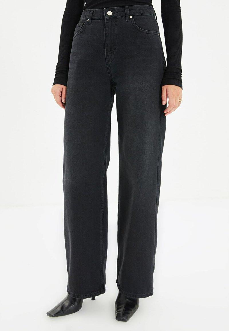 Trendyol - PARENT - Straight leg jeans - black
