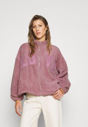 PAGOFI - Fleecová bunda - rose