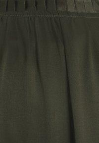 Bruuns Bazaar - BAUME ESTE DRESS - Koktejlové šaty/ šaty na párty - green night - 8