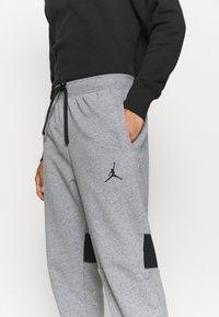 Jordan - AIR PANT - Pantaloni sportivi - carbon heather/black - 3