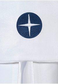 Nordic coast company - BETTHIMMEL PREMIUM ATMUNGSAKTIV - Other - white/blue - 2