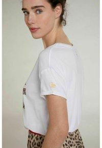 Oui - Print T-shirt - optic white - 3