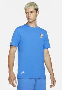 Nike Sportswear - T-shirts print - signal blue - 0
