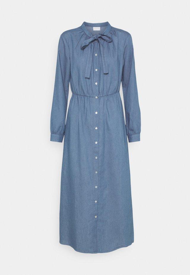 VIBASTA MAXI DRESS - Denimové šaty - medium blue denim