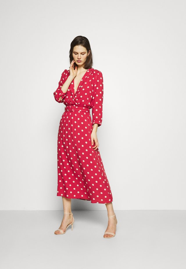 Vestido largo - garnet rose/sand