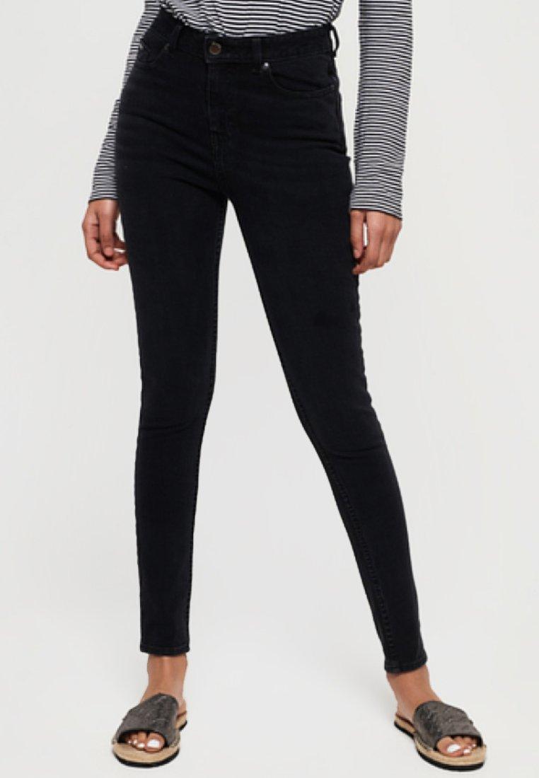 Women SUPERFLEX RÖHREN - Slim fit jeans