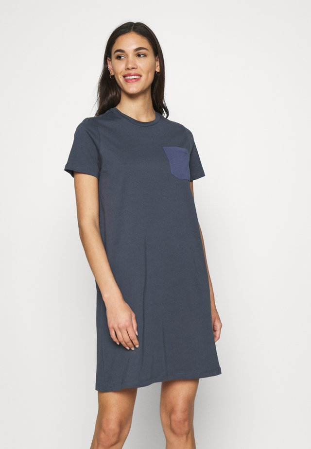 ONLEMELIE DRESS - Yöpaita - ombre blue