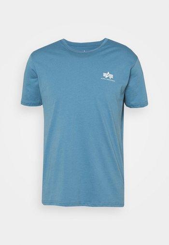 BASIC SMALL LOGO - Basic T-shirt - airforce blue