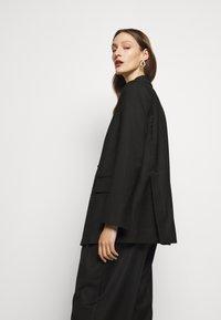House of Dagmar - CHARLOTTE  - Short coat - black - 2