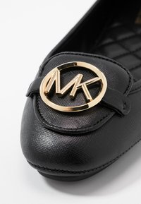 MICHAEL Michael Kors - LILLIE  - Slipper - black - 2