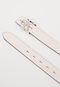 Calvin Klein Jeans - MONO HARDWARE - Pásek - pink - 3