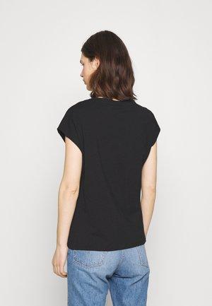 BLANCA - T-shirts - deep black