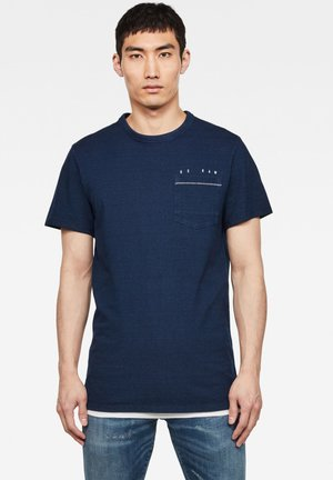 INDIGO RAW EMBRO GR POCKET ROUND SHORT SLEEVE - T-shirt print - worn in indigo