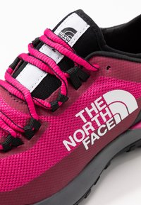 The North Face - ULTRA TRACTION - Zapatillas de trail running - pink/black - 5
