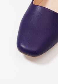 E8 BY MIISTA - ARIA - Tacones - purple - 2
