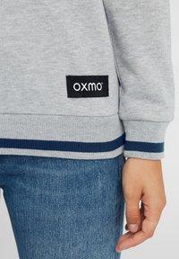 Oxmo - OMAYA - Sweatshirt - insignia blue - 4