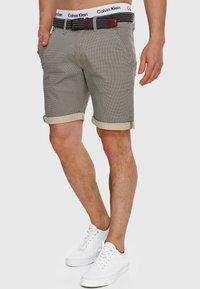 INDICODE JEANS - Shorts - fog - 2