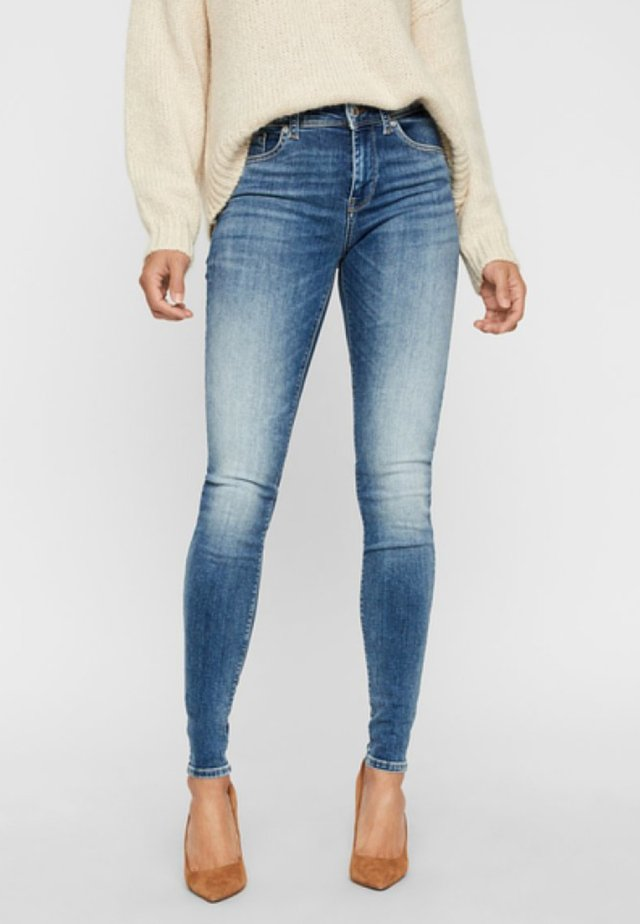 VMLUX NORMAL WAIST - Jeans Skinny Fit - blue denim