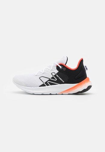 ROAV UNISEX - Neutral running shoes - white