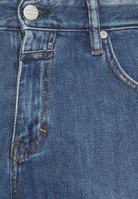 CLOSED - DROP CROPPED - Džíny Slim Fit - mid blue - 2