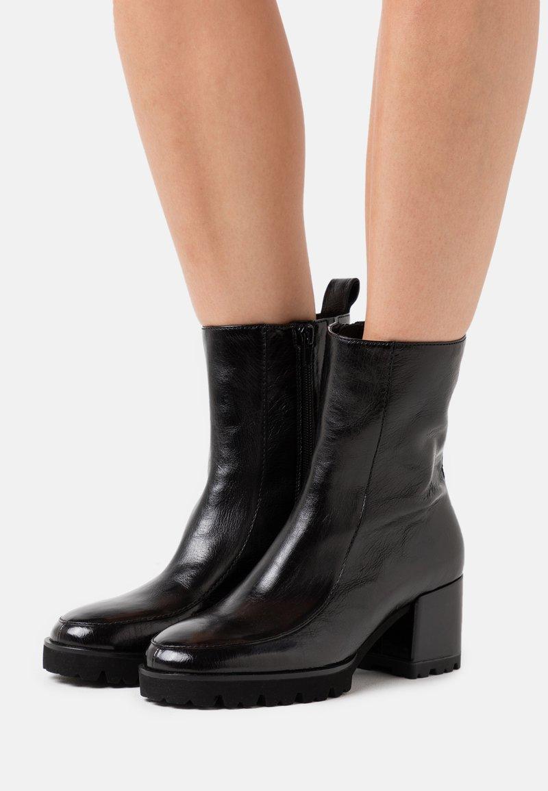 Kennel + Schmenger - CORI - Platform ankle boots - schwarz