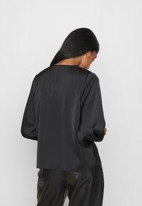Vero Moda - VMCOCO V NECK  - Long sleeved top - black - 2