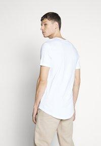 Pier One - Jednoduché triko - white - 2