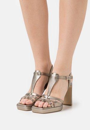 Platform sandals - lame alba