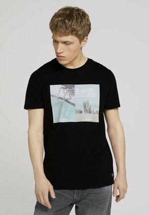 MIT FOTOPRINT - Print T-shirt - black