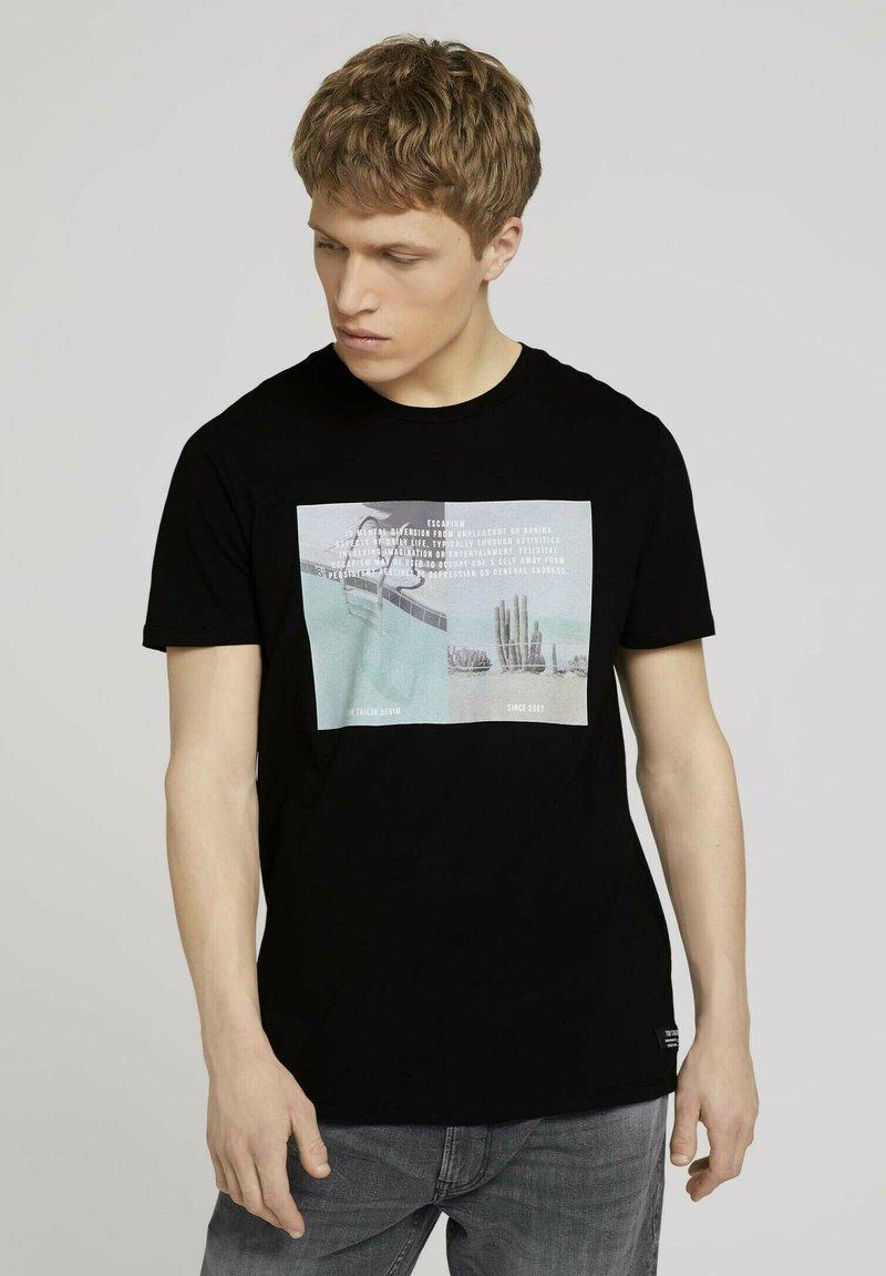 TOM TAILOR DENIM - MIT FOTOPRINT - Print T-shirt - black