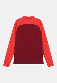 Nike Performance - ACADEMY DRILL UNISEX - Sportshirt - gym red/bright crimson/volt - 1