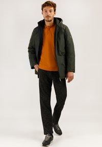 Finn Flare - MIT MODISCHEM DESIGN - Winter jacket - olive - 1