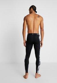 Nike Performance - CAMO - Medias - black/white - 4