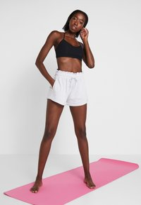 Cotton On Body - WALK SHORT - Sports shorts - grey - 1