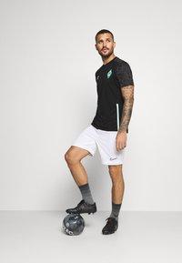 Umbro - WERDER BREMEN TRAINING - Club wear - black/carbon/ice green - 1
