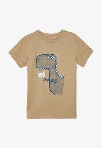 Name it - NKMDANNI  - Print T-shirt - tannin - 2