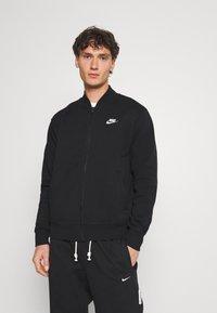 Nike Sportswear - M NSW CLUB - Collegetakki - black/white - 0