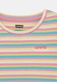 Levi's® - BABY  - Print T-shirt - multi-coloured - 2