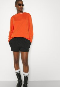 The North Face - MIX AND MATCH - Shorts - black - 5