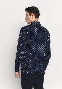 Scotch & Soda - REGULAR FIT CLASSIC PRINTED POPLIN - Overhemd - dark blue - 2