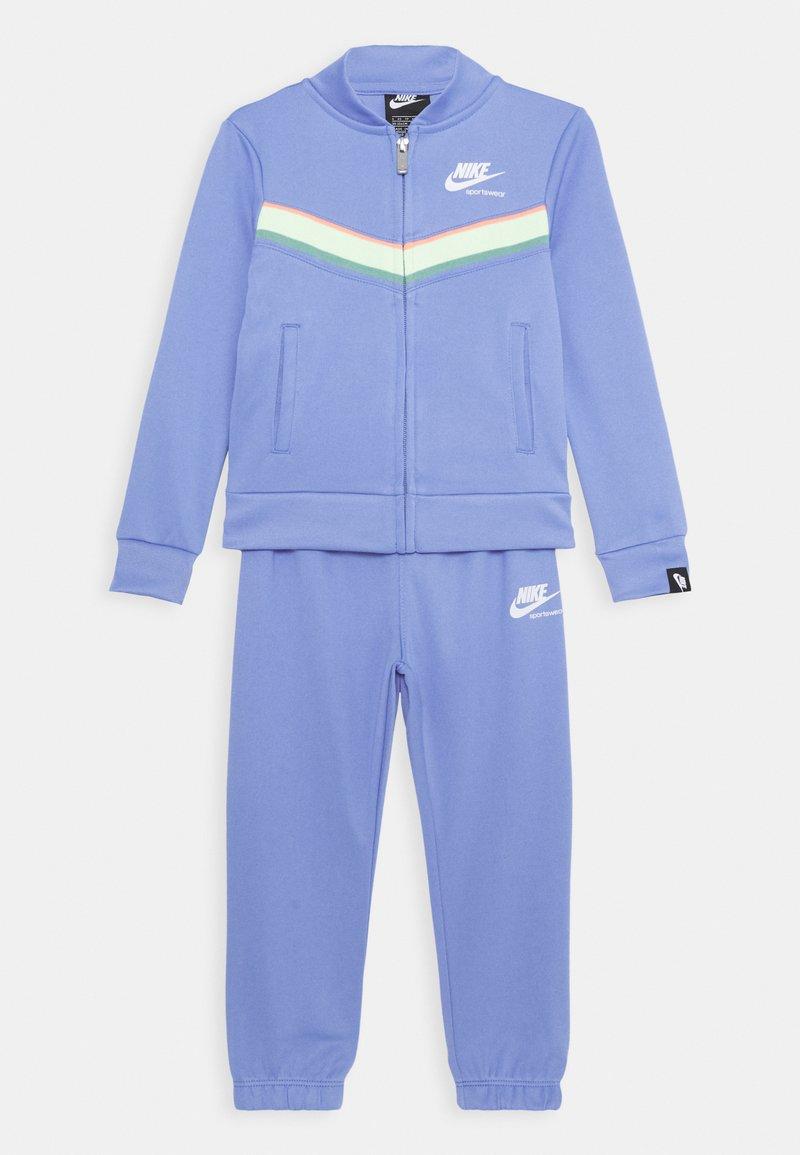 Nike Sportswear - HERITAGE SET - Tepláková souprava - royal pulse