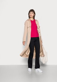 Calvin Klein - SMALL NECK  - Basic T-shirt - red - 1