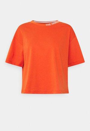 NEW CROP TEE - T-shirt basique - burnt ochre