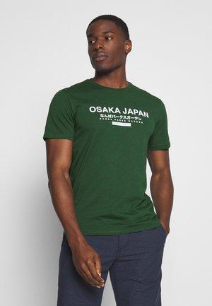 OSAKA TEE - T-shirt z nadrukiem - green