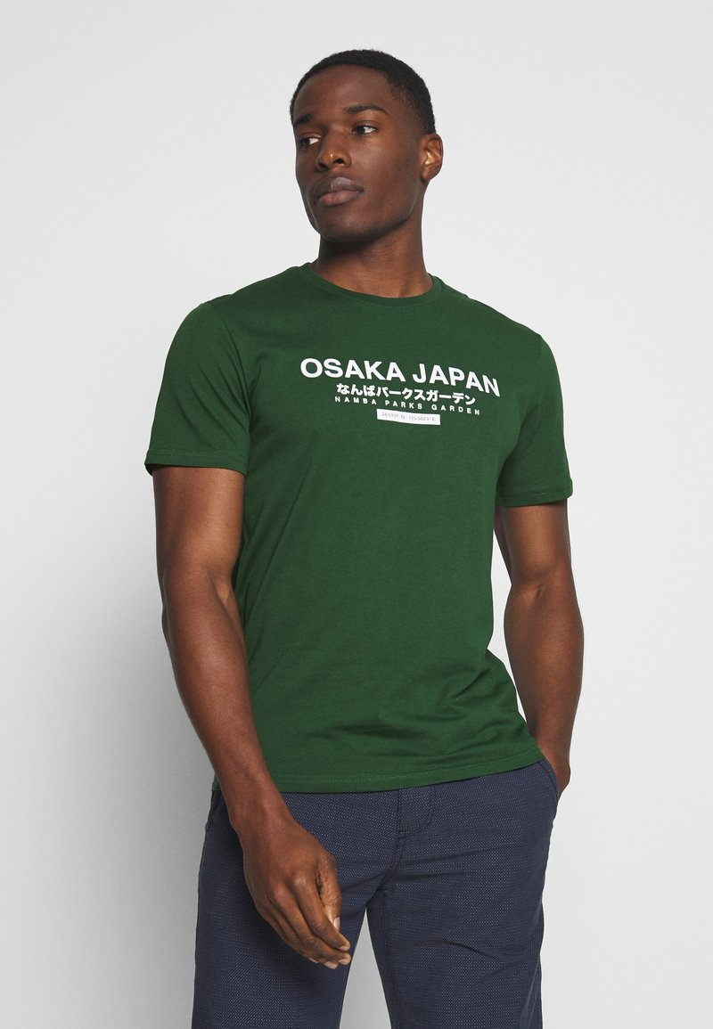 Pier One - OSAKA TEE - Print T-shirt - green
