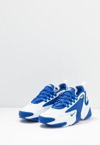 Nike Sportswear - ZOOM  - Sneakers - white/game royal - 2