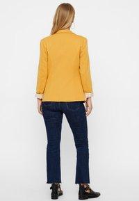 Vero Moda - Blazer - amber gold - 2