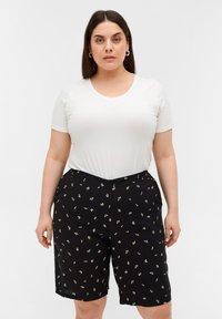 Zizzi - Shorts - black aop - 0