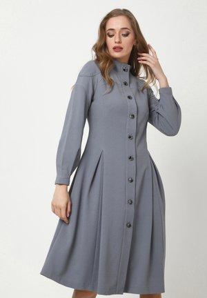 LIVARA - Shirt dress - lichtgrau