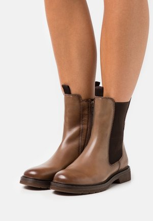 MODENA - Classic ankle boots - light brown